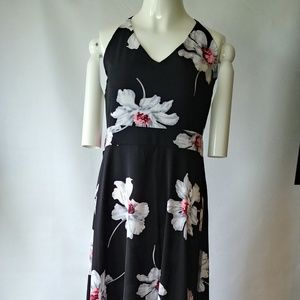 Dresses & Skirts - Stunning Sundress Size Medium